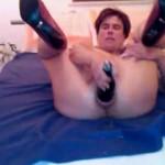 Die Bierflasche im Arsch!