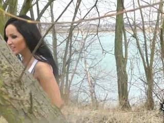 Beim Joggen spontane Fickpause am See